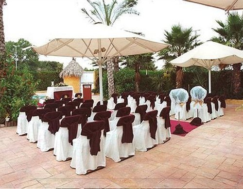 Terrace suitable for any celebration or event outdoors.